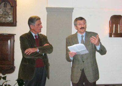 Il Dottore Giuseppe Pesenti spiega nei dettagli l'evoluzione - Nascita ed evoluzione della macchina per scrivere - Museo della Valle - Zogno