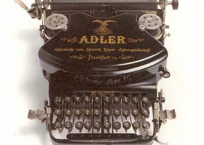 ADLER modello n. 8 - Germania 1898 - Nascita ed evoluzione della macchina per scrivere