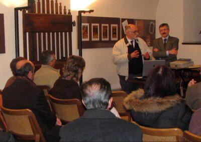 Il professore Ivano Sonzogni presenta la conferenza dell'ingegnere Giuseppe Presenti - Foto Piero Gritti www.pierogritti.com