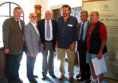 Rota con lo staff del Museo della Valle - La Valle Brembana nelle vecchie cartoline raccolte da Giordano Rota - Museo della Valle - Zogno