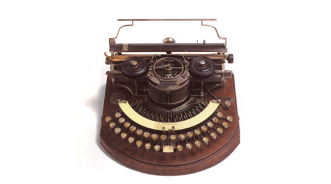 Nascita ed evoluzione della macchina per scrivere