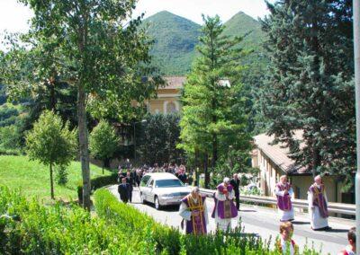 Dalla chiesa al cimitero