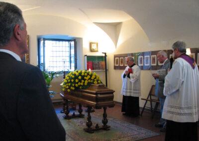 Vittorio Polli nel suo Museo